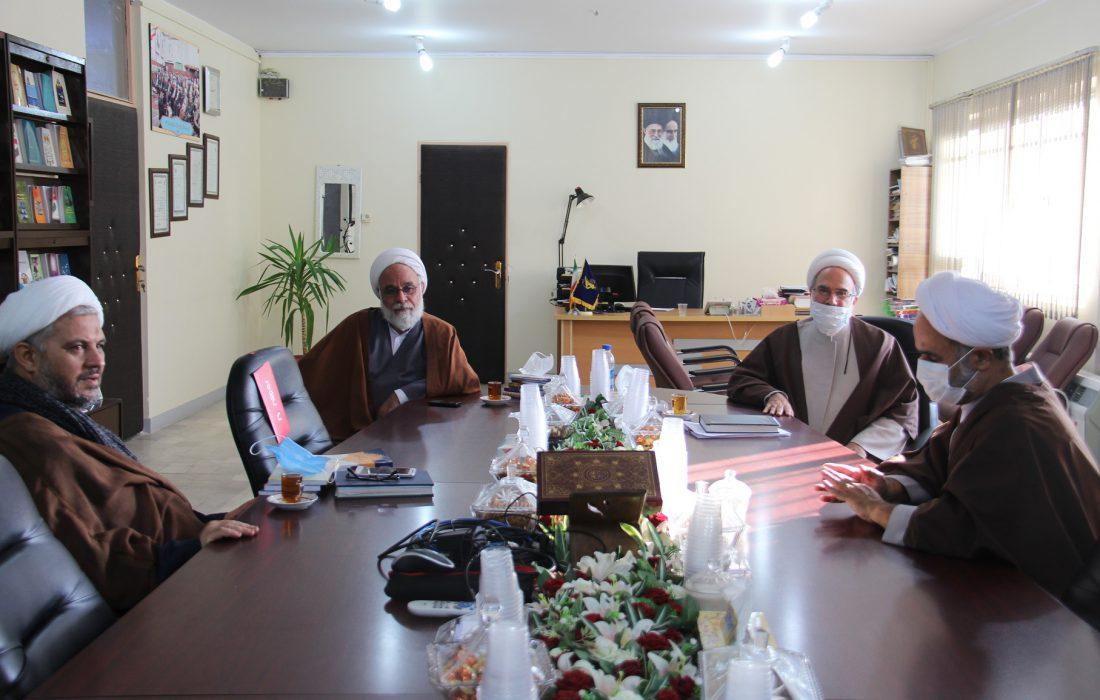 نیازمند توان علمی و معرفتی پژوهشگاه علوم اسلامی امام صادق علیهالسلام هستیم.